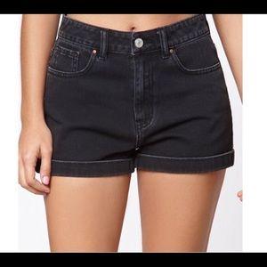 Pacsun mom shorts. Never worn!